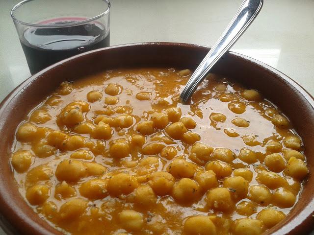 Guiso de Garbanzos con Tomate.