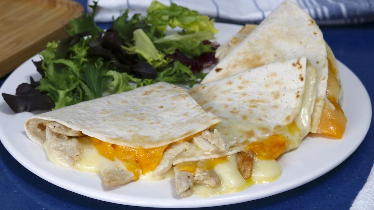 como hacer quesadillas de pollo y queso