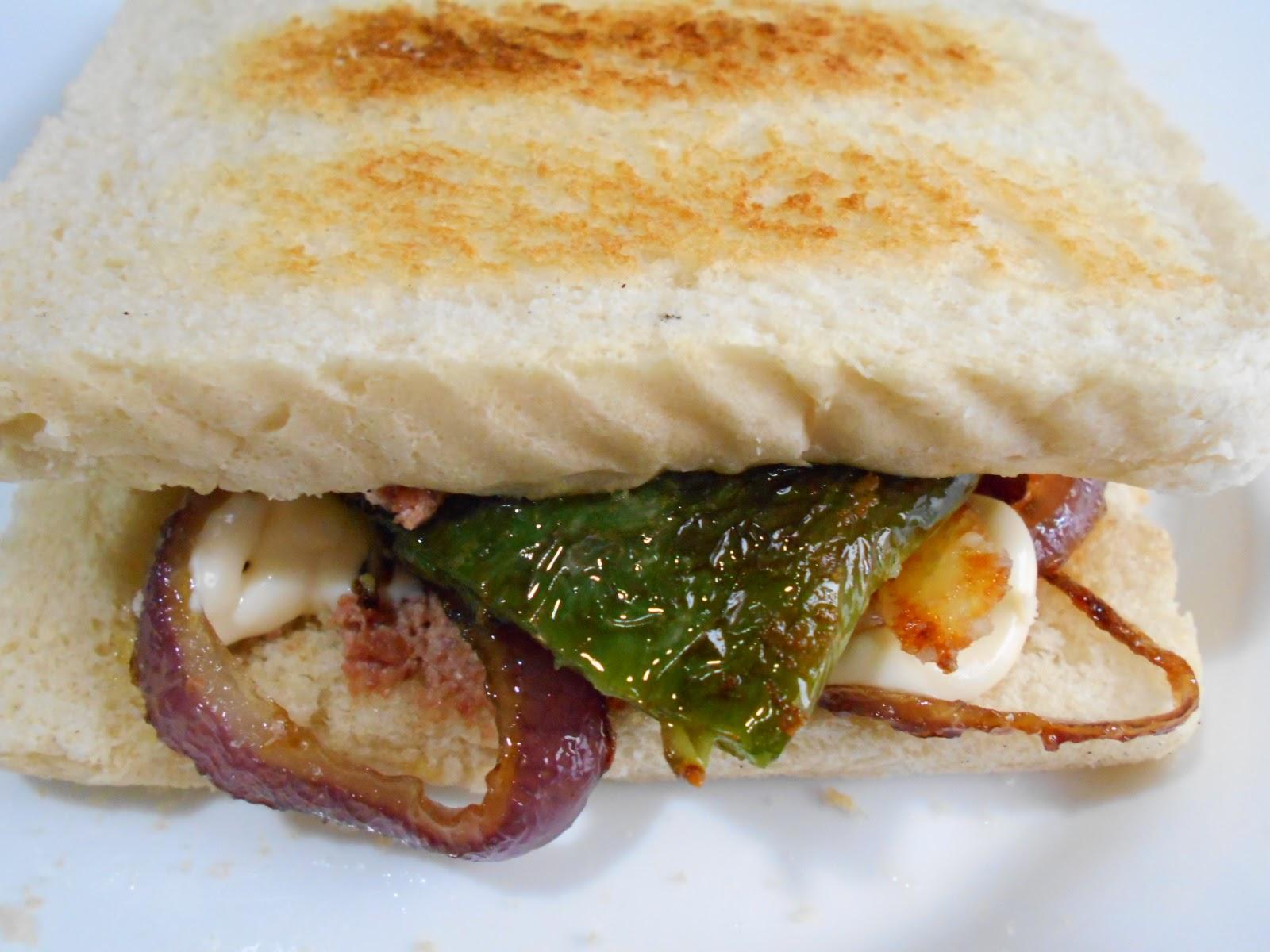 Sandwich de Pimientos con Misterio