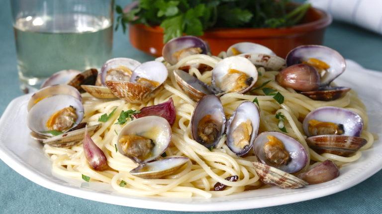 Espaguetis con Almejas