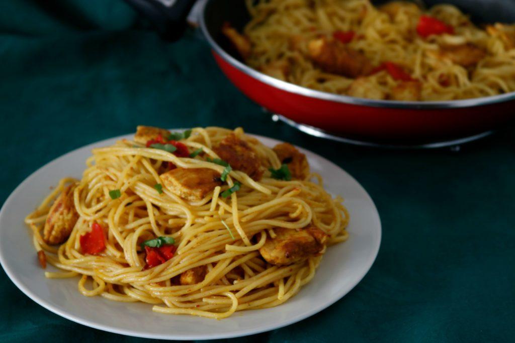 Espaguettis-con-pollo-al-curry-finalp