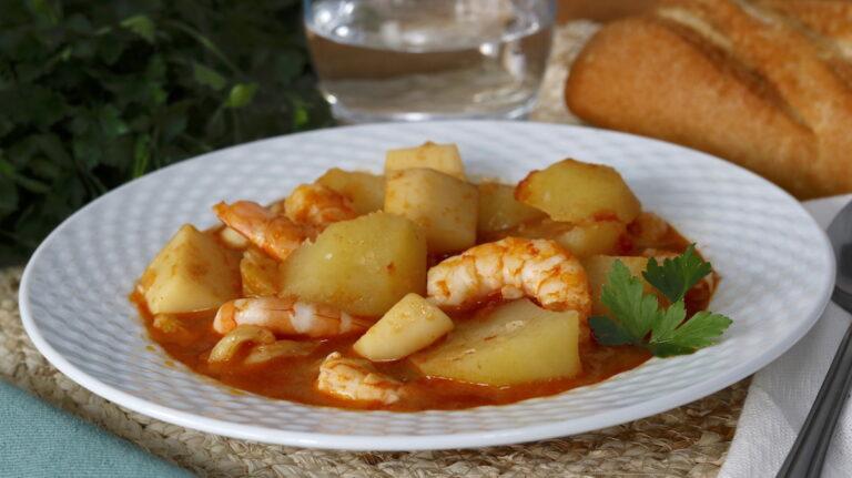 Patatas con Sepia y Gambas