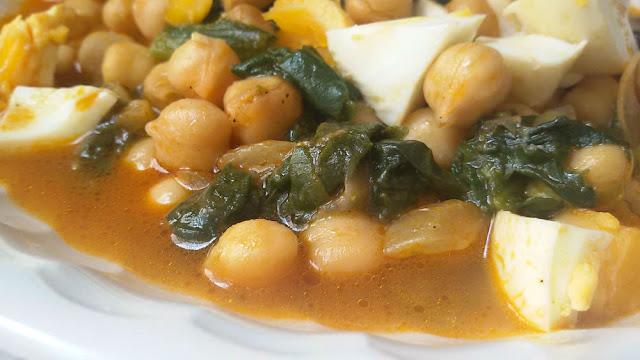 Legumbres 5 recetas caseras cocina a buenas horas - Potaje con bacalao y espinacas ...