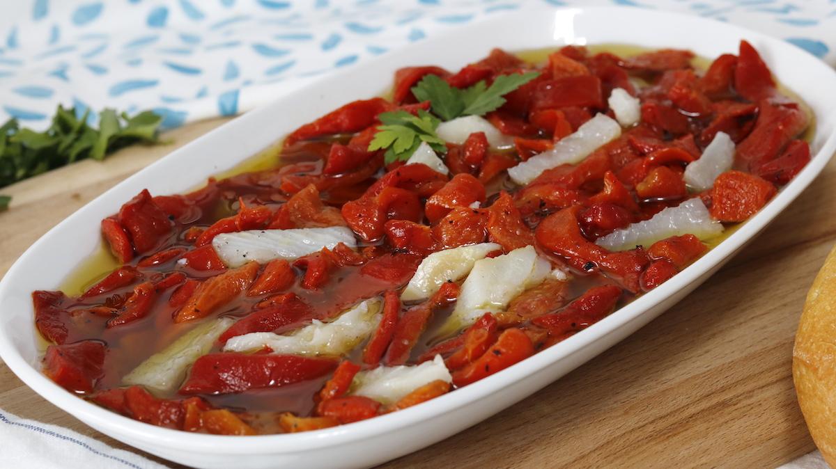 receta de ensalada de pimientos asados con bacalao