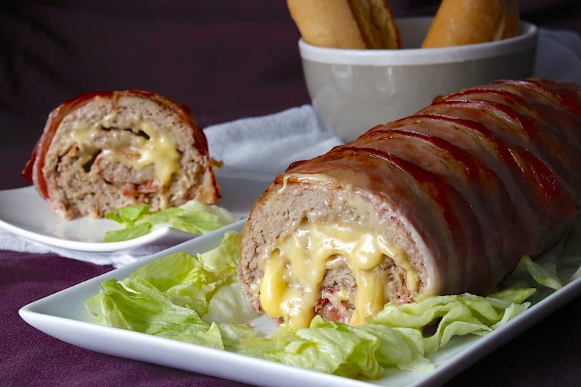 Rollo de carne relleno de jamón y queso