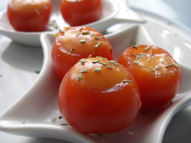 Tomates Cherry Rellenos de Salmorejo